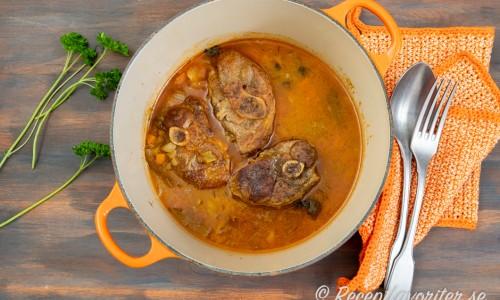 Lammlägg kokt länge i stekgryta med lock
