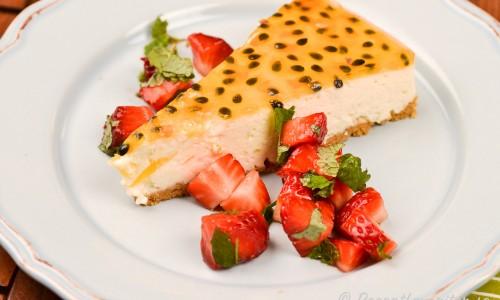 Man behöver inte garnera med gele utan kan servera cheesecaken med bara passionsfrukt, eller krusbär kokta med socker, sylt, eller färska bär, färsk ananas eller fruktsallad.