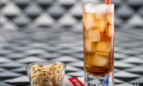 Long Island Iced Tea - en klassisk drink med fem sorters sprit.