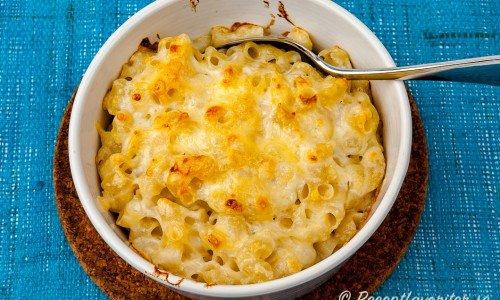 Makaroner med ost eller Mac & Cheese