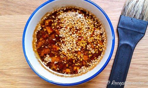 Marinad med soja i skål