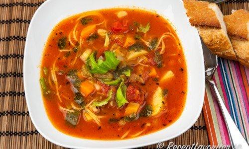 Minestronesoppa Italiensk grönsakssoppa