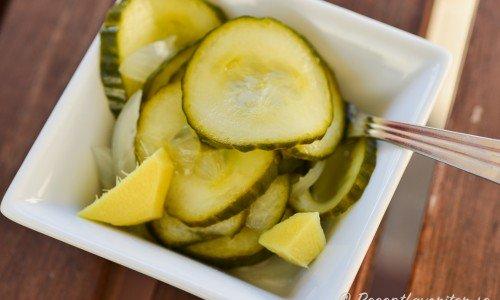 Inlagd gurka med smak av färsk ingefära blir mycket gott.