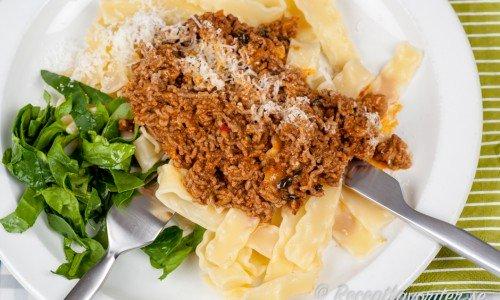 Nötfärssås - en köttfärssås med nötfärs till pasta.