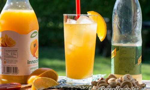 Nursery Fizz - en alkoholfri festlig cocktail eller drink