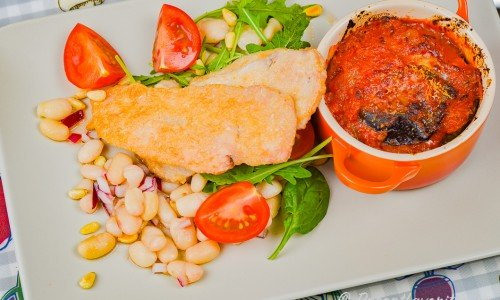 Kycklingschnitzel med parmesan och auberginegratäng