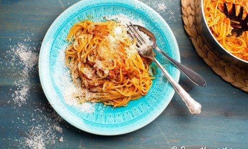 Pasta med tomatsås och aubergine