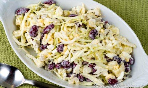 Persisk vitkålssallad med kidneybönor Salade Kalam