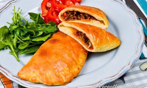 Piroger med köttfärsfyllning, tacofyllning eller tacopiroger