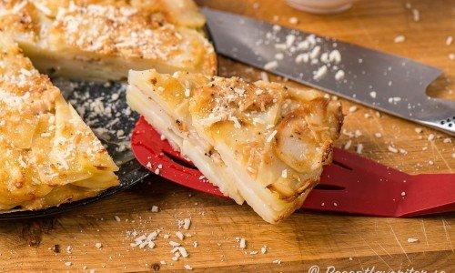 Potatiskaka med parmesan i bit