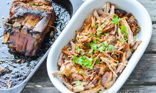 Pulled pork på tjocka revben - köttet passar mycket bra att riva isär till pulled pork.