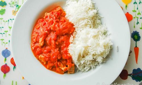Quorn Stroganoff med ris på tallrik