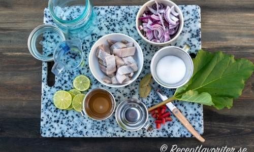 Ingredienser till rabarbersillen