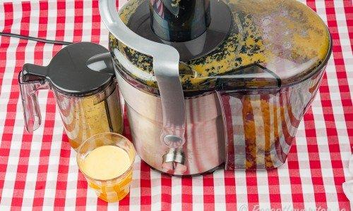En råsaftscentrifug till att göra juice och råsaft med.