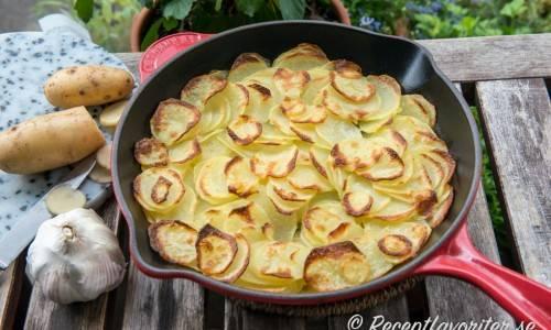 ugnsstekt potatis skivad