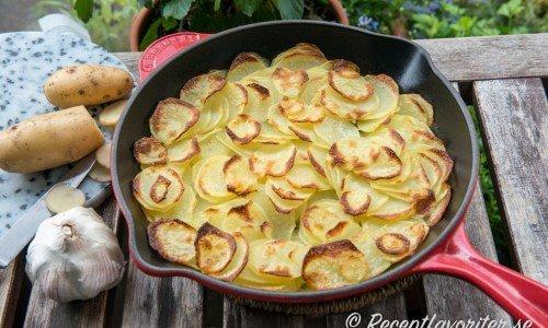 Ugnsrostad skivad potatis