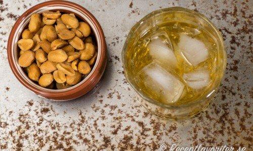 Rusty Nail. En whiskydrink med whiskylikören Drambui.