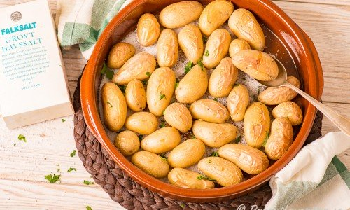 Saltrostad potatis i form