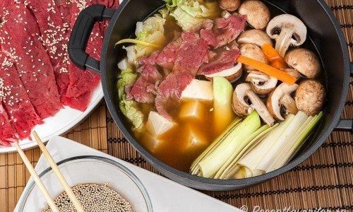Shabu Shabu - en slags japansk fondue i gryta
