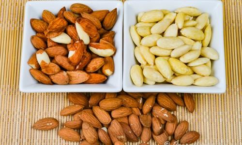 Skållade mandlar i tre steg