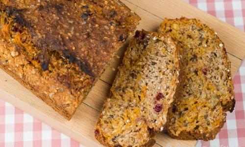 Snabbt fiberbröd. Ett snabb-bakat bröd med fiber och nyttigheter.