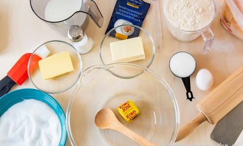 Ingredienser till bullarna.