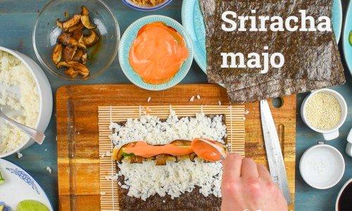 Srirachamajonnäs kan man ha i sushi som makirullar, till grillat, till sallad, pokébowl och mycket annat.