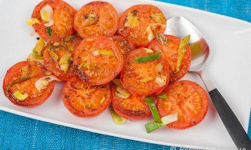 Stekta tomater i olivolja med purjolök, vitlök och oregano