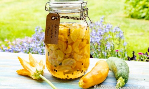 Syltad zucchini i glasburk
