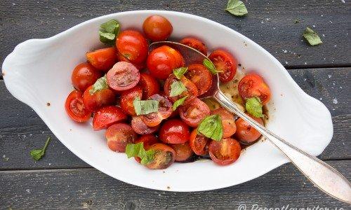 Tomatsallad med cocktailtomater