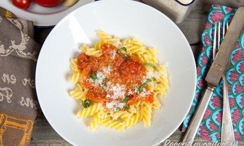 Tomatsås med färska tomater
