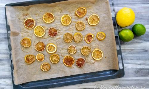 Du kan torka de citrusfrukter du vill - bäst passar lime och lime till drinkar.