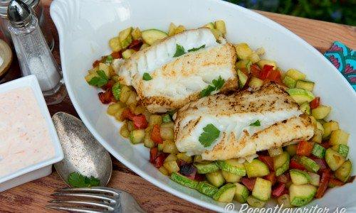 Smörstekt torsk med grönsakspytt