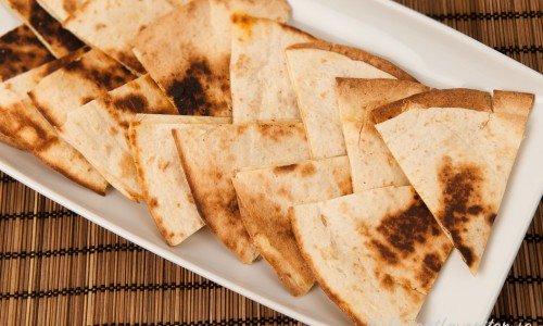 Tortillatrianglar med ost.