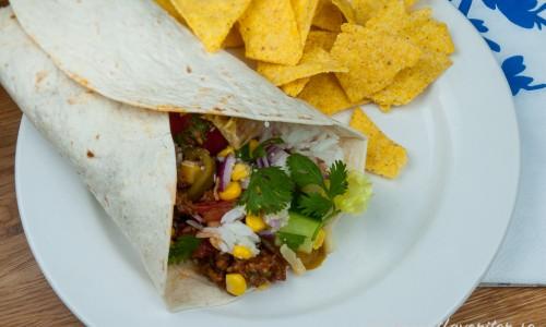 Enchiladas, fajitas eller fyllda tortillarullar med köttfärs