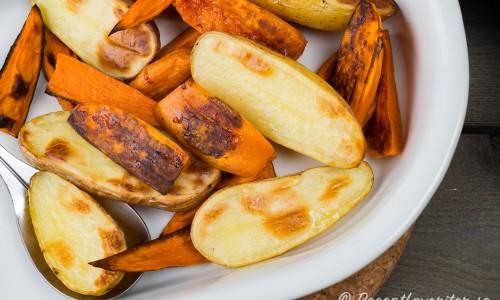 Ugnsrostad potatis med sötpotatis på fat