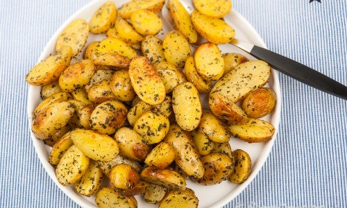 Ugnsrostad potatis med timjan och rosmarin