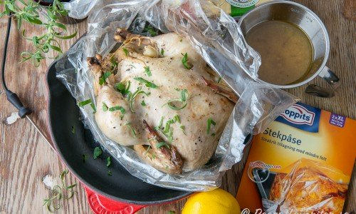 Ugnsstekt kyckling i stekpåse