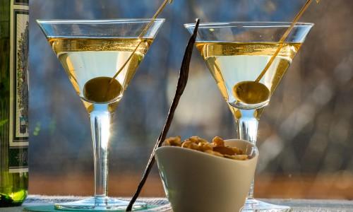 Vanilla Vodka Martini med oliv i martiniglas