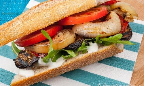 Vegan sandwich på servett