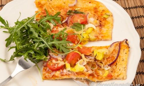 Vegetarisk pizza i långpanna