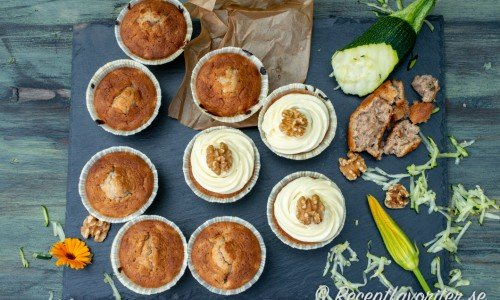 Zucchinimuffins med frosting