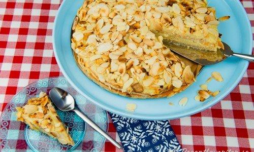 Zuleikatårta är en mandeltårta med smörkrämsfyllning