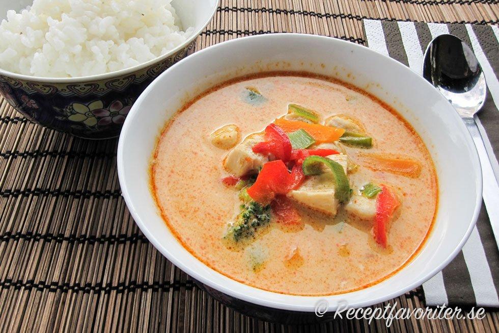 vegetarisk thaigryta röd curry