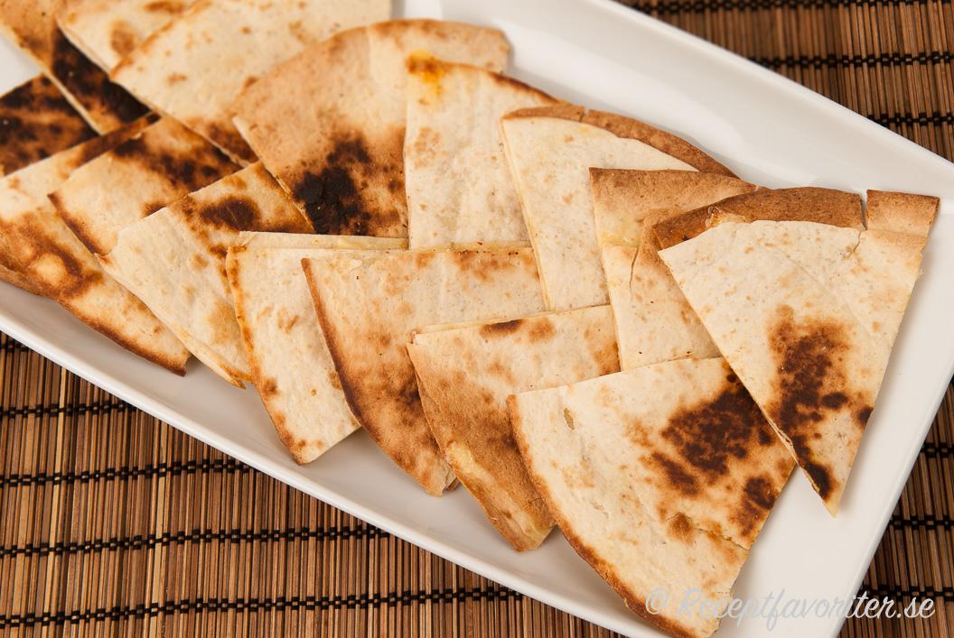 tortillabröd med fyllning i ugn