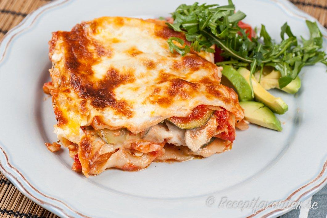 vit sås till lasagne