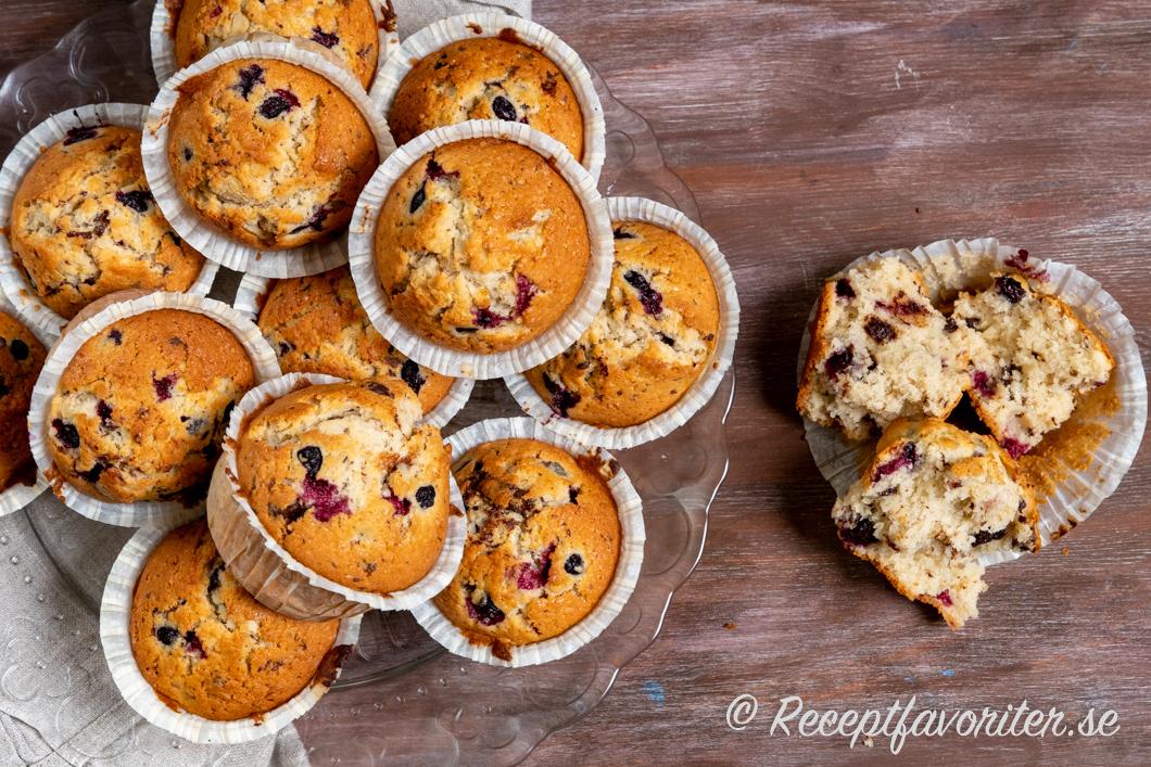 Supergoda muffins med bär, choklad och kokos