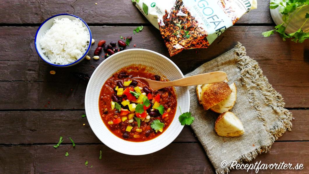 Chili con soja med tillbehör