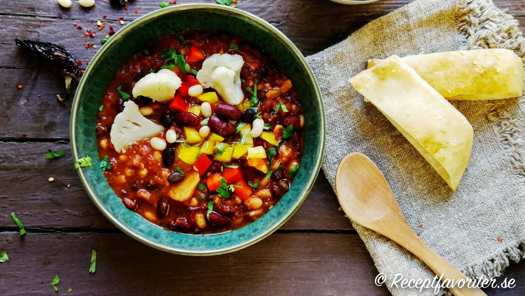 Chili sin carne med tillbehör