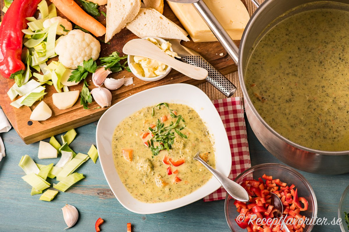 En mixad soppa med blandade grönsaker du kan variera efter tycke